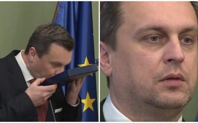 Zbohom, kapitán Danko a plukovník Fico. Verejní funkcionári už nebudú môcť získavať vojenské hodnosti