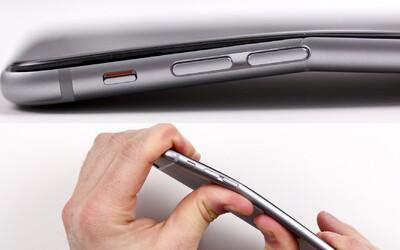 Zdá sa, že nové iPhony sa ľahko ohnú vo vačku. Prešľap zo strany Apple?