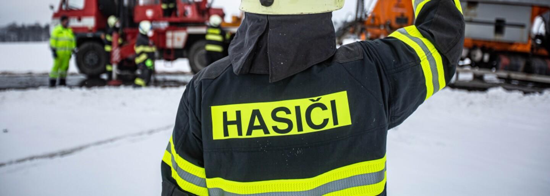 Ze záchodků v Plzni vyběhl hořící muž. V krvi měl 2,30 promile alkoholu
