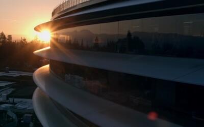 Zelená energia zo solárnych panelov a najväčšie kusy zaobleného skla na svete. 7 zaujímavostí o novej centrále Applu