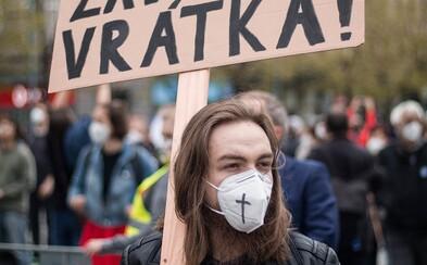 Zemane, běž do...! Takto proběhla demonstrace Milionu chvilek proti Zemanovi (Videoreport)