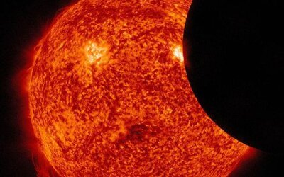 Země se zahalí do tmy. 21. srpna nastane zatmění století, které bude vysílat i NASA