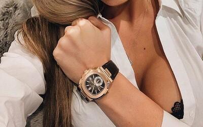 Žena našla v starom gauči pravé Rolex hodinky v hodnote 230-tisíc €. Kus nábytku pritom kúpila za pár drobných