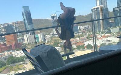 Žena pri cvičení jogy vypadla zo 6. poschodia, zlomila si 110 kostí
