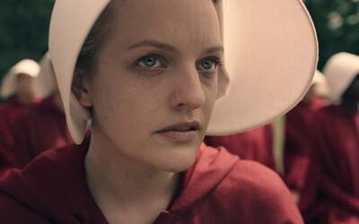 Ženy degradované na rodenie detí bojujú o prežitie v totalitnom štáte. Nový trailer sci-fi seriálu The Handmaid's Tale láka na herecky silný a vizuálne podmanivý zážitok