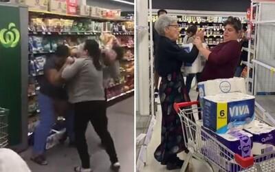 Ženy sa v obchode pobili pre toaletný papier. Zbytočné zásobovanie kvôli koronavírusu pokračuje