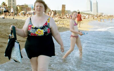 Zhrozené pohľady aj výsmech. Žena zachytáva, ako ľudia reagujú na obéznejšiu osobu v uliciach