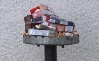 Žiaci strednej školy v Sečovciach majú v areáli vlastný fajčiarsky kútik