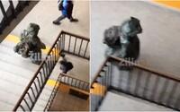 Žiak z Kysúc prišiel na vyučovanie v ochrannom obleku. Študenti apelovali na samosprávu, aby pre koronavírus zavrela školy