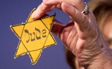 Židovská hvězda na covidových protestech je neúctou. V Německu volají po zákazu jejího zneužívání