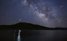 Zima a velká konjunkce: Saturn a Jupiter se dnes po 397 letech potkají na obloze