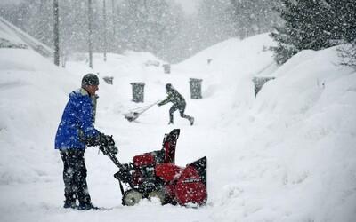 Zima so snehom môže prísť na Slovensko už o týždeň, priprav sa na prvú guľovačku