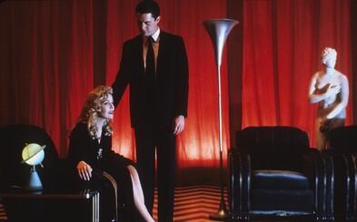 Zimomriavky naháňajúce mestečko Twin Peaks od Lyncha odhaľuje prvé zábery z 3. série