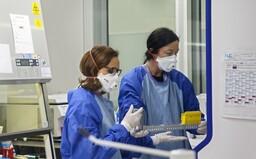 ŽIVĚ: Koronavirem je v Česku nakaženo 94 lidí, nákaza potvrzena již ve všech krajích