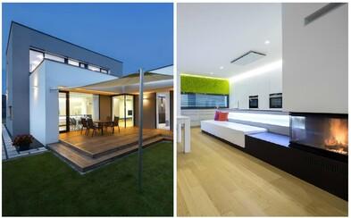 Živá stena v interiéri? Moderný domček pár kilometrov od Bratislavy ponúka rôzne dizajnové vychytávky