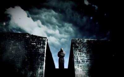 Zjavenie alebo skaza? Čítajte konšpiračný triler Veža