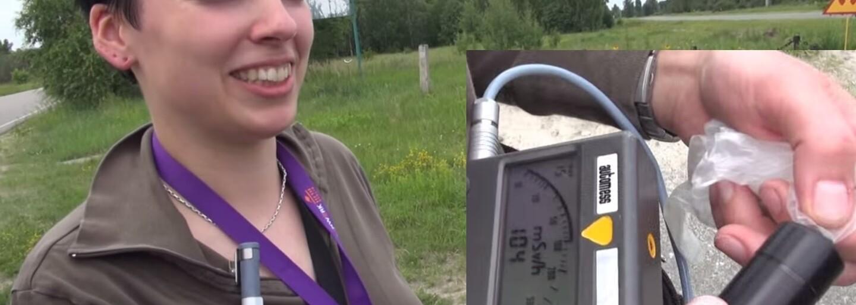 Snědla radioaktivní jablko z Černobylu a hrála si s uranem v rukou. Okolí zničené jaderné elektrárny není pro ženu tabu