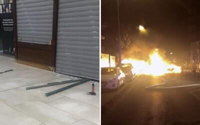 Zlodeji sa opäť pokúsili vykradnúť bratislavské klenotníctvo. Vonku pravdepodobne následne zapálili vozidlo