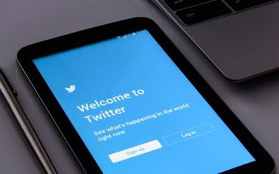 Změňte si hesla, vyzval Twitter všech 330 milionů uživatelů. Může za to vážná bezpečnostní chyba