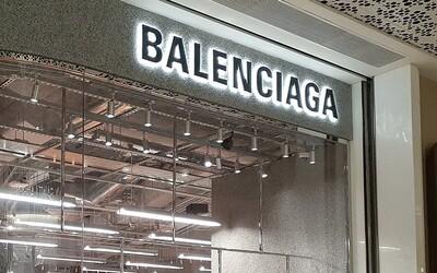 Značka Balenciaga vymazala všetky svoje príspevky na sociálnych sieťach. Čo tým sleduje?