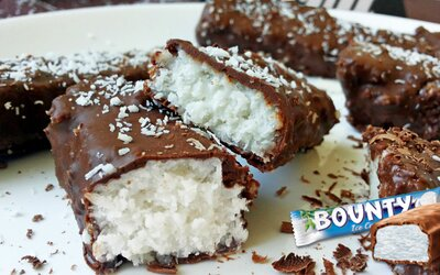 Známé a velmi chutné Bounty tyčinky bez výčitek (Recept)