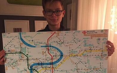 Známé módní značky budou podporovat 13letého Matěje trpícího autismem. Jeho vlastní designové mapy pomáhají ostatním nemocným
