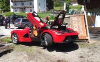 Známe stretnutie priaznivcov Ferrari plné havárií. České LaFerrari nabúralo do ďalšieho LaFerrari, nehodu malo i tretie