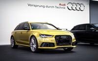 Známy showroom Audi opäť púta pozornosť, terajšiu lahôdku stvárňuje žlto-zlatá RS6-ka!
