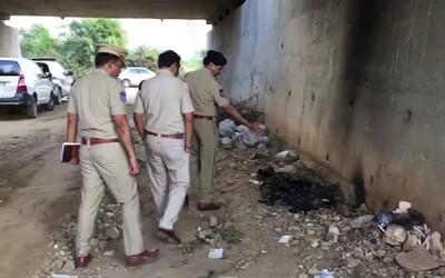 Znásilněnou Indku zapálili cestou k soudu. Za činem stáli stejní pachatelé a jejich rodina, tvrdí oběť