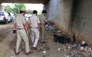 Znásilnenú Indku zapálili cestou na súd. Za činom stáli rovnakí páchatelia a ich rodina, tvrdí obeť