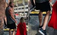 "Znova si vynechal leg day? Brat Chrisa Hemswortha zosmiešnil ""Thorove"" nohy"