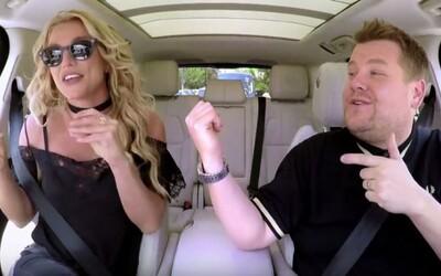 Znovuzrodená Britney Spears sa nechala nahovoriť na karaoke s Jamesom Cordenom. V hoteloch často využíva nevhodné pseudonymy