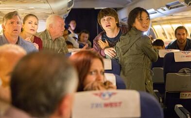 Zombie nákaza pekne zavarí aj pasažierom letu č. 462, pretože vypukne priamo na palube
