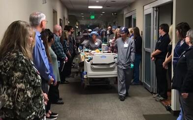 Zomierajúci muž rozdal svoje orgány ľuďom v núdzi, za čo si od lekárov vyslúžil vzdanie úcty pomocou grandiózneho gesta