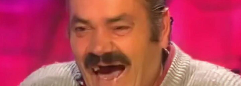 Zemřel komik z legendárního meme videa, ve kterém se nemůže přestat smát