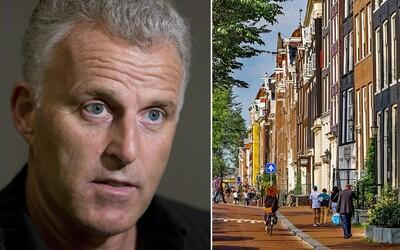 Zomrel novinár, ktorého v Amsterdame 6. júla postrelili do hlavy. Venoval sa najtvrdším zločinom, drogovým bosom aj vraždám