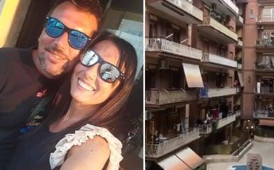 Seznámili se na balkoně, dnes plánují svatbu. Domácí karanténa spojila život sousedům, kteří se předtím neznali