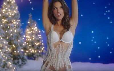 Zpříjemni si nadcházející vánoční svátky kráskami z Victoria's Secret a jejich sexy videem