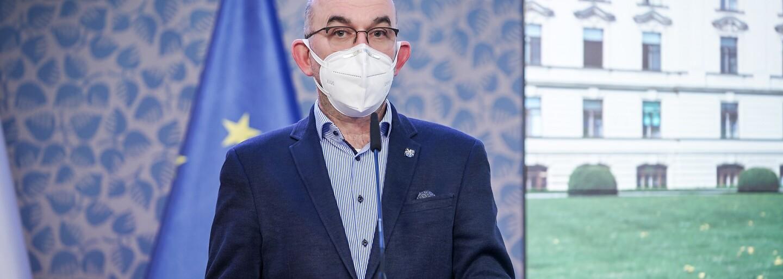 Způsob odvolání Blatného ukazuje, v jakém rozkladu se současná vláda nachází, reaguje opozice na konec ministra zdravotnictví