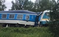 Zrážka vlakov v Česku si vyžiadala 2 životy. 5 osôb je vážne zranených