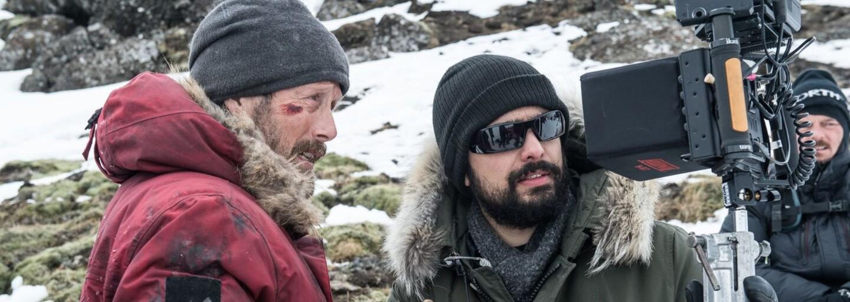 Zúfalý Mads Mikkelsen okúsi v drsnej dráme brutálny boj o prežitie. Matka príroda vie byť mrazivá a nemilosrdná