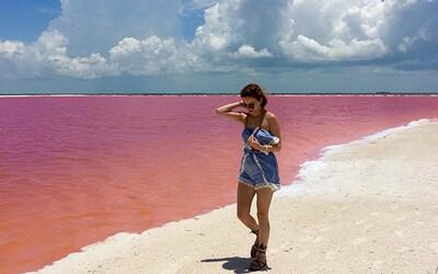 Žuvačkovo ružové jazero v Mexiku láka svojím výzorom všemožných zvedavcov. Čo vlastne stojí za jeho zafarbením?
