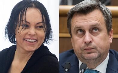 Zverejnili záznamy telefonátov medzi Andrejom Dankom a Alenou Zsuzsovou. Naznačujú, že mohol byť vydierateľný Marianom Kočnerom