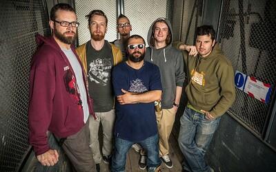 Zverina a Rust2Dust opäť prepájajú rap a metal v novom videoklipe