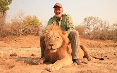 Zvrátený lovec trofejí sa vytešoval, keď zastrelil bezbranného spiaceho leva. Takýmto tempom vyhynú za 30 rokov