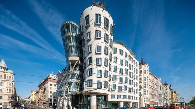 Tančící dům: Nejodvážnější stavba Prahy se nově dostala i do TOP 10 nejkrásnějších staveb světa