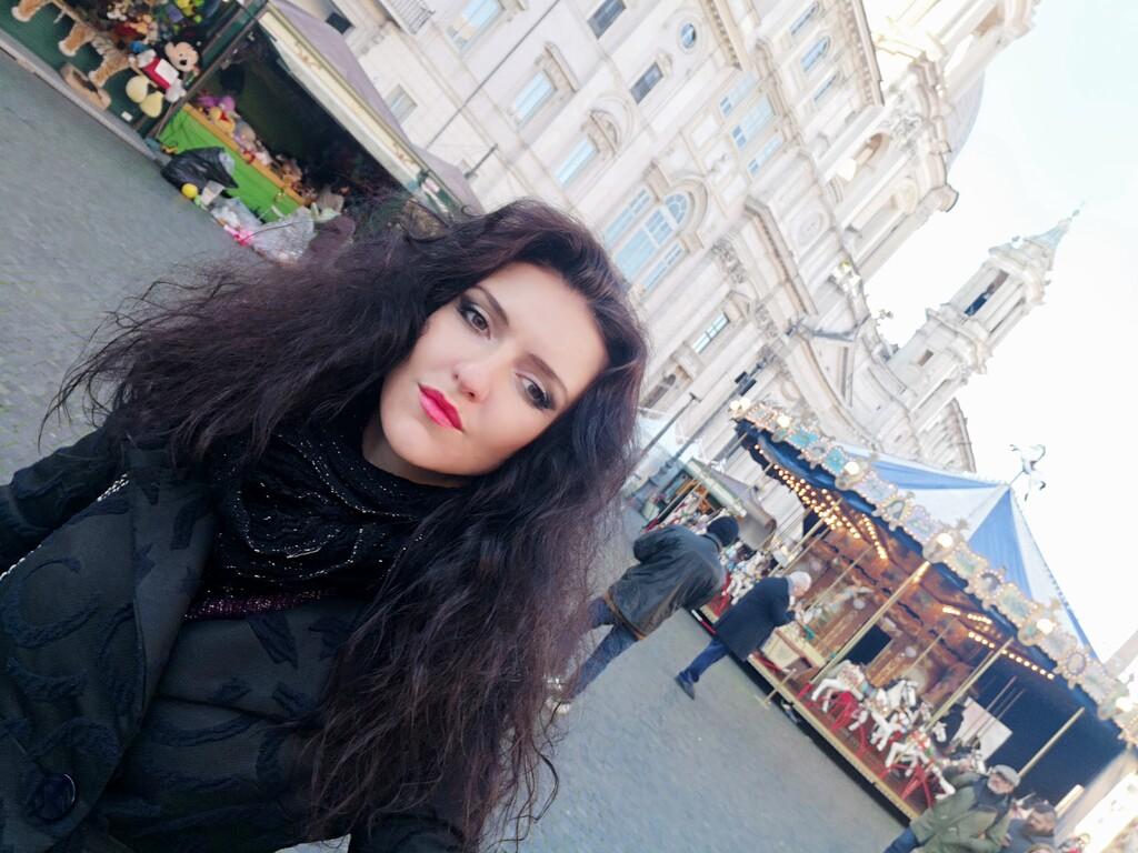 b9eea7ac2409 Námestie Piazza Navona vo vianočný čas počas dňa nezažíva až taký nápor  turistov
