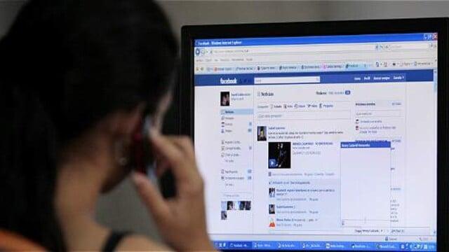 Pozor ludia s Facebooku ktori tam pracuju stale otravuju mlade dievčata sexualne spravami.