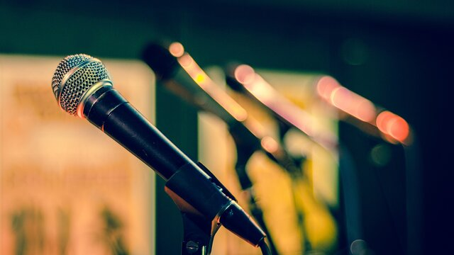 Malý korporátnik vo veľkom svete: Labutia pieseň