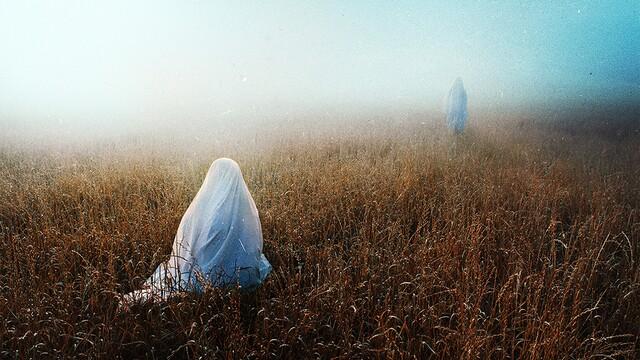 Nevšedná tvorba konceptuálneho fotografa Nicholasa Wintzlera ťa privedie do mysterického sveta
